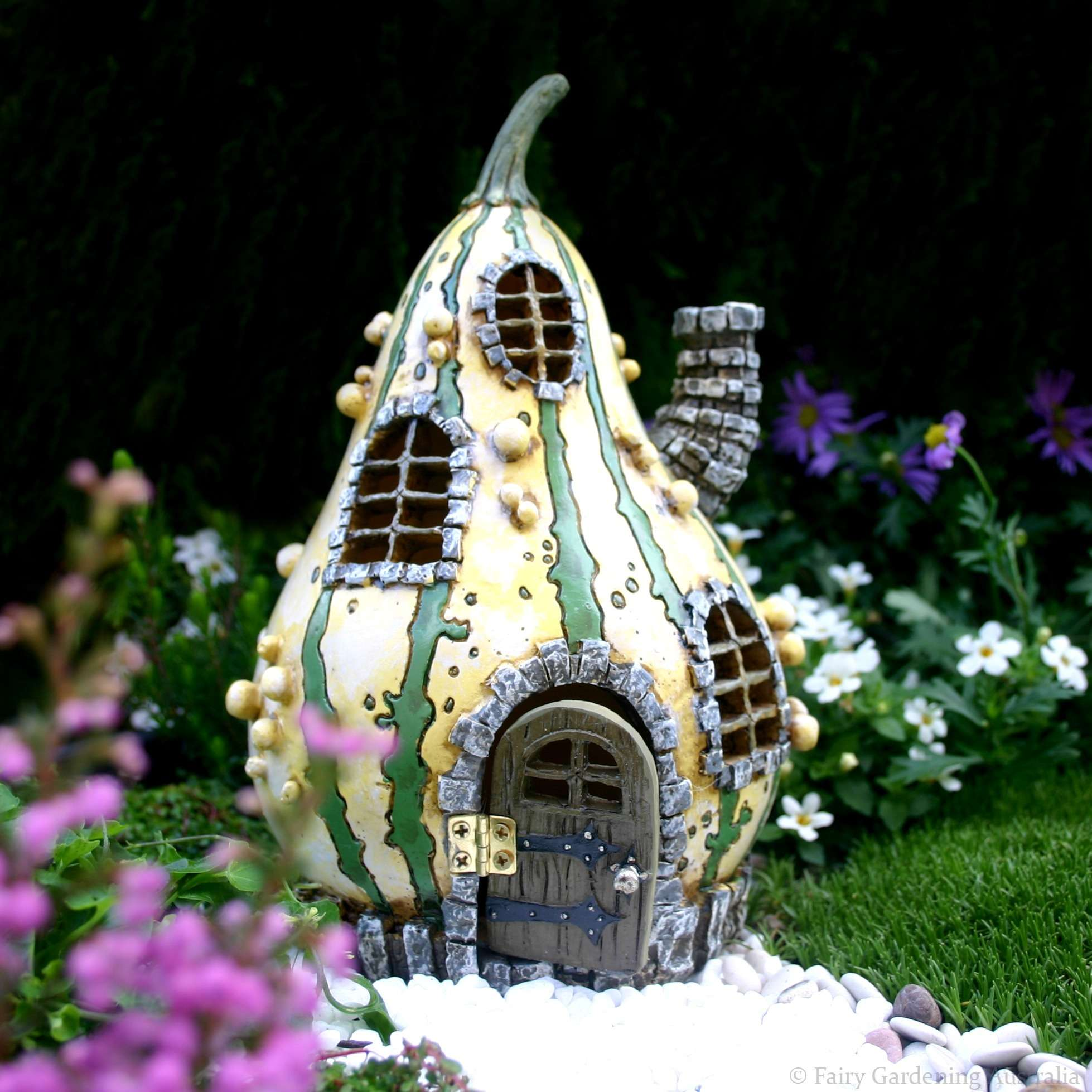 maison de f es jolie courge rayures fairy garden. Black Bedroom Furniture Sets. Home Design Ideas